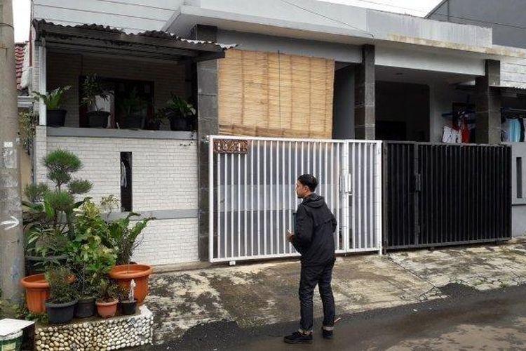Rumah diduga pemilik akun yang menghina Walikota Surabaya Tri Rismaharini