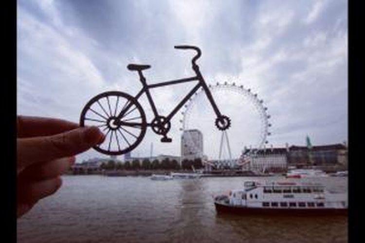 Foto salah satu wahana permainan di London karya McCor