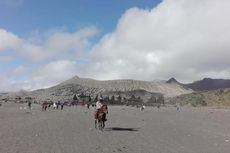 Dua Wilayah di Malang Diguyur Hujan Abu Tipis Pasca-erupsi Gunung Bromo