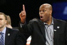 Kakak Ipar Obama Dipecat dari Kursi Pelatih Tim Basket Universitas Oregon
