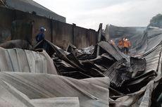 Kebakaran Gudang Bahan Baku Cat di Semarang, Api Harus Dipadamkan dengan Cairan Khusus