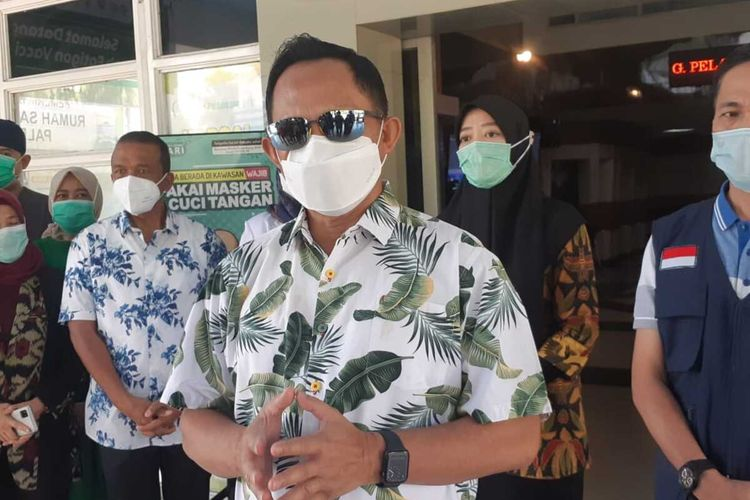Mendagri Tito Karnavian saat berkunjung ke Palembang, Minggu (2/5/2021).