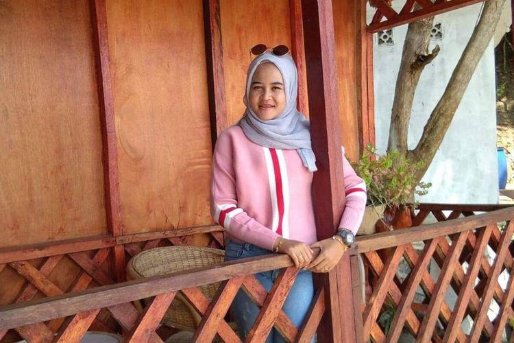 Indah, seorang gadis 21 tahun dari Desa Sebele Kecamatan Belat, Kabupaten Karimun, Kepulauan Riau (Kepri) dikabarkan sudah tidak pulang selama tujuh hari setelah pamit pergi bersama kenalan dari Facebook. Keluarganya kini mencarinya. (DOK Istimewa)