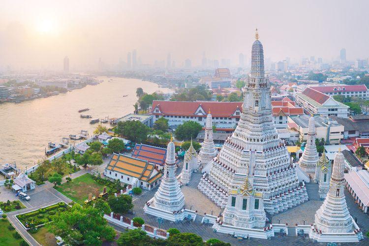 Menara Wat Arun Ratchawaram Ratchaworamawihan.
