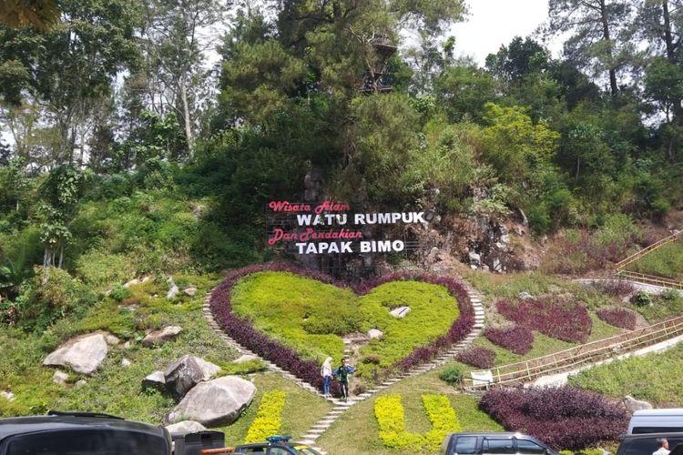 Inilah wisata Watu Rumpuk yang menjadi salah satu wisata alam terpopuler di Jawa Timur dalam satu tahun terakhir.