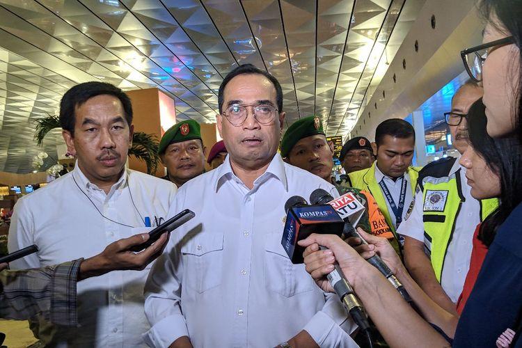 Menteri Perhubungan Budi Karya Sumadi saat ditemui di Terminal 3 Bandara Soekarno-Hatta, Kamis (27/2/2020)