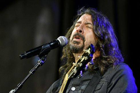 Terpukul karena Kematian Kurt Cobain, Dave Grohl Kabur ke Irlandia