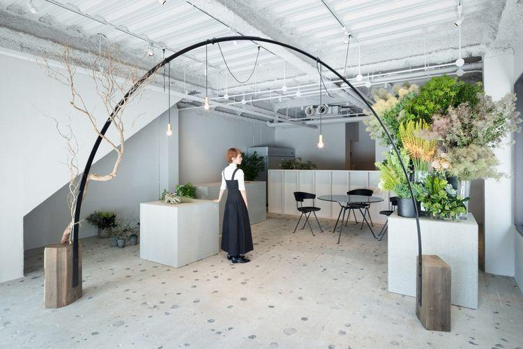 ?Gerbang penyambutan? di dalam toko bunga di Jepang karya Sides Core