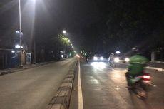 Tak Tahu Jalan Dekat Flyover Lenteng Agung Ditutup, Sejumlah Pengemudi Mobil Lawan Arah