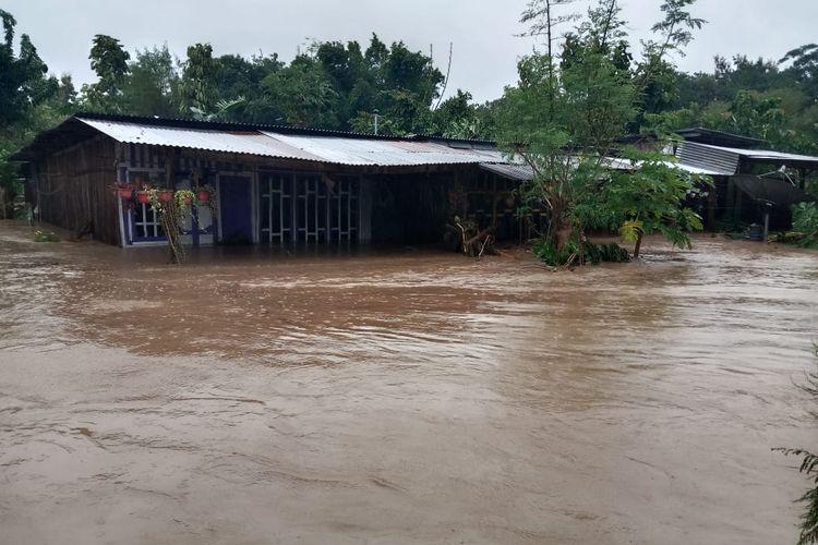 PHOTO:Rumah warga di Kabupaten Timor Tengah Utara (TTU) yang diterjang banjir