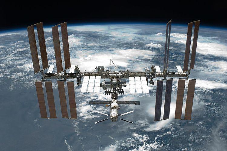 Stasiun Luar Angkasa Internasional (ISS) adalah laboratorium penelitian di luar Bumi.