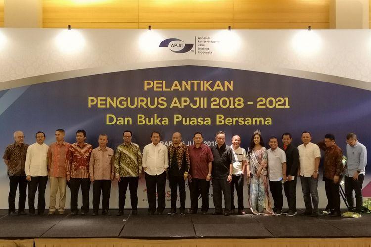 Pelantikan pengurus baru Asosiasi Penyelenggara Jasa Internet Indonesia (APJII) periode 2018-2021 di Jakarta, Rabu (6/6/2018).