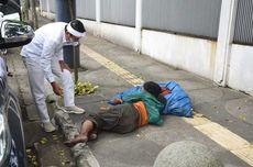 Kisah Pemulung Tua Tidur di Trotoar Bandung demi Menahan Lapar...