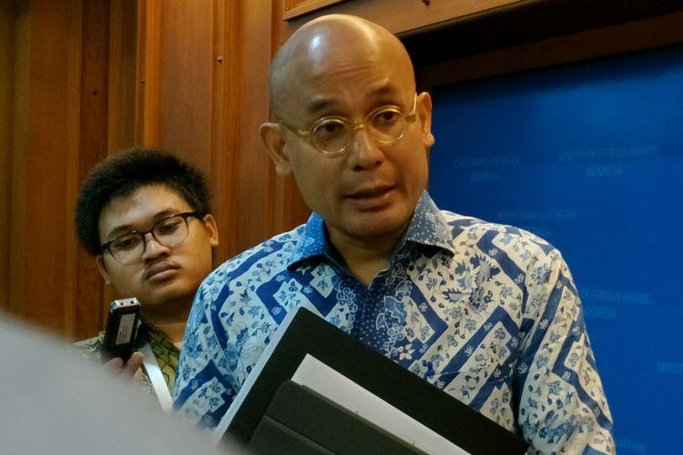 Juru Bicara Kementerian Luar Negeri RI, Arrmanatha C Nasir ketika ditemui di Kantornya, Jakarta, Jumat (20/4/2018).