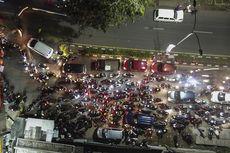 Video dan Foto Ribuan Pemudik Jebol Pos Penjagaan Bekasi-Karawang, Petugas Kewalahan