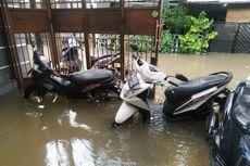 Motor yang Terendam Banjir Bisa Diatasi dengan Angkat Ban Depan?