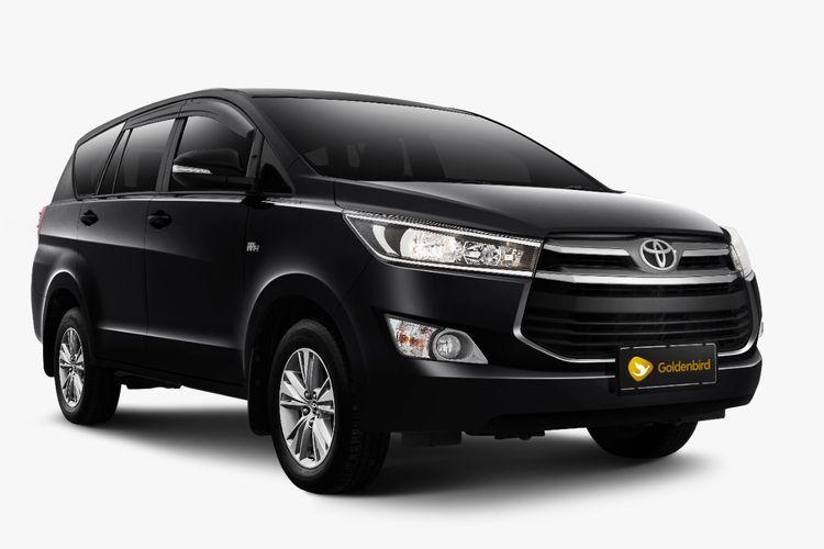 Toyota Kijang Innova untuk layanan Goldenbird dari Blue Bird