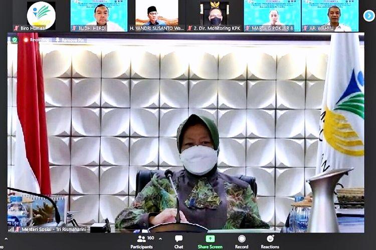 Menteri Sosial Tri Rismaharini dalam acara Diskusi Sekolah Staf dan Pimpinan Tingkat Tinggi (Sespimti) Kepolisian Republik Indonesia (Polri) Pendidikan Reguler (Dikreg) ke-30 tahun 2021 secara daring di Jakarta, Selasa (7/9/2021).