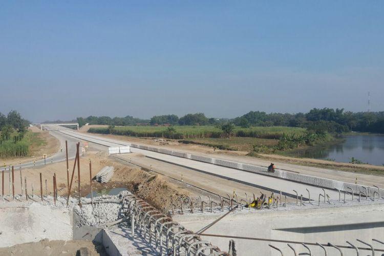 Inilah salah satu kondisi pembangunan jalan tol dibangun di wilayah Kabupaten Madiun.