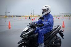 Perlengkapan Wajib Bikers agar Tetap Nyaman Berkendara di Musim Hujan