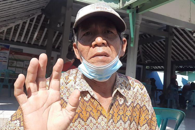 Sukadi, penerima BST Kemensos mengaku senang mendapatkan bantuan di Kelurahan Kauman Blora, Selasa (27/7/2021)