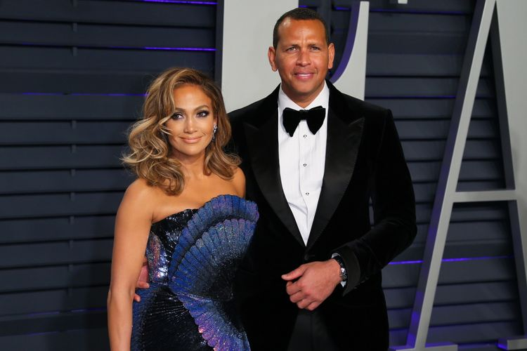 Penyanyi Jennifer Lopez dan mantan pemain baseball profesional Alex Rodriguez menghadiri the 2019 Vanity Fair Oscar Party usai perhelatan Academy Awards ke-91 di The Wallis Annenberg Center for the Performing Arts, Beverly Hills, California, pada 24 Februari 2019.