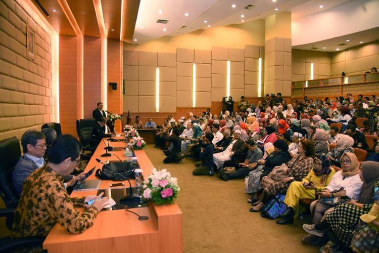 Wakil Ketua DPR/Korpolkam Fadli Zon saat membuka seminar tentang Menyoal Rencana Pemindahan Ibukota Negara di Ruang Abdul Muis Gedung Nusantara, Jakarta, Rabu, (3/9/2019).