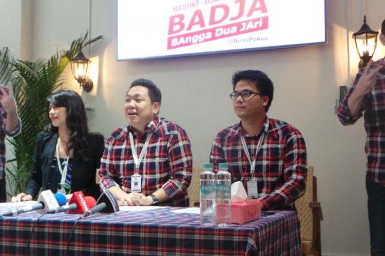 Konferensi pers dana kampanye putaran kedua Ahok-Djarot. Adapun konferensi pers ini diikuti oleh Bendahara Tim Pemenangan Ahok-Djarot Charles Honoris (tengah), Joice Triatman, dan Michael Sianipar, di Jalan Cemara 19, Menteng, Jakarta Pusat, Selasa (7/3/2017).