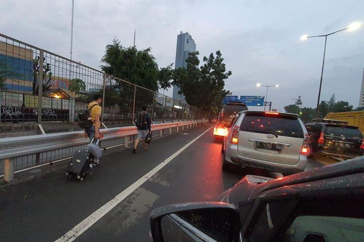 Macet di ruas Tol Kebon Jeruk
