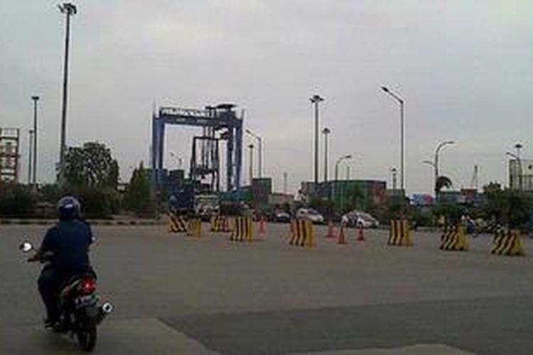 Pelabuhan Tanjungpriok sepi dari Kegiatan Bongkar Muat, Senin (3/6/2013)