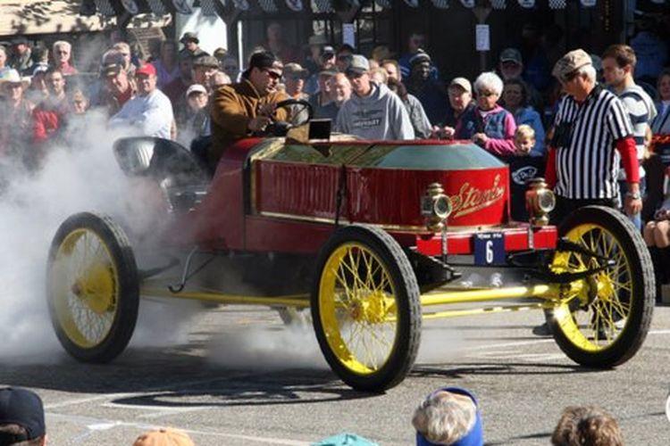 Mobil penemuan Francis Edgar Stanley