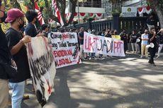 BEM Malang Raya Demo ke Balai Kota Tuntut Pemotongan Biaya Kuliah