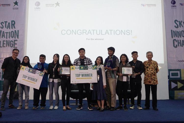 Para pemenang ?Skystar Innovation Challenge? yang digelar Skystar Ventures UMN dan Nanyang Polytechnic (NYP) Singapura pada 9-19 September 2019.