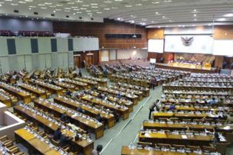 DPR kembali menggelar rapat paripurna di Kompleks Parlemen Senayan, Jakarta, Selasa (4/11/2014), tanpa kehadiran fraksi kubu Koalisi Indonesia Hebat.