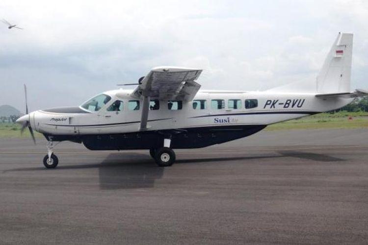 Pesawat Jenis PK- BVU milik maskapai Susi Air, yang mengangkut 10 orang penumpang, mendarat dengan mulus di Bandara Notohadinegoro, Jember, Jawa Timur, Sabtu (2/5/2015).