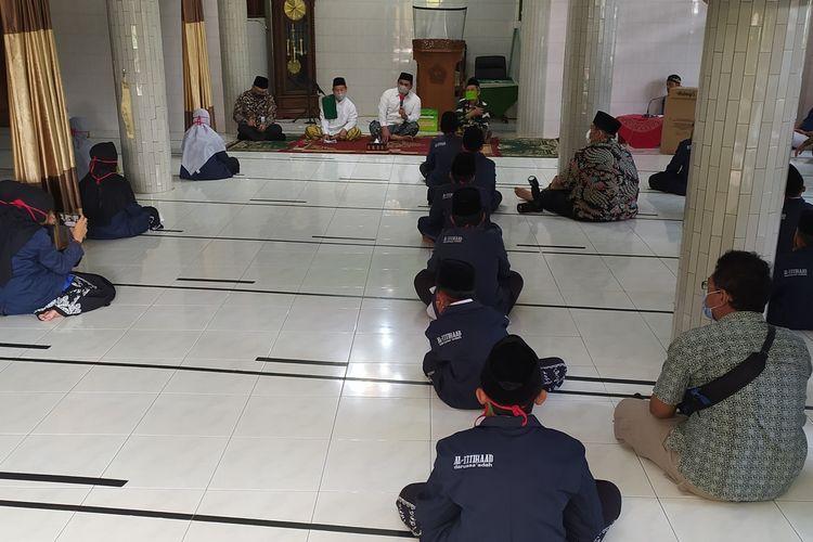 Wagub Jateng Taj Yasin mengunjungi Ponpes Al Ittihaad, Pasir Kidul, Purwokerto Barat, Kabupaten Banyumas, Jawa Tengah, Rabu (7/10/2020).