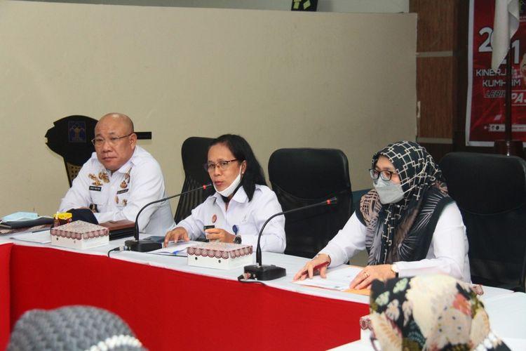 Kanwil Kemenkum HAM Maluku menggelar apat teknis persiapan layanan kewarganegaraan eks ABK asing, bersama Direktorat Jenderal (Ditjen) Administrasi Hukum Umum (AHU) yang dipimpin oleh Kepala Subdir Status Kewarganegaraan, Delmawati di Aula Kanwil Maluku pada Rabu (22/9/2021).