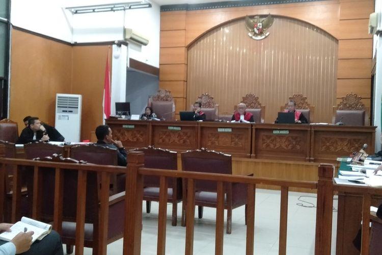 sidang kasus pencurian dan kekerasan dengan terdakwa Ari Darmawan di Pengadilan Negeri Jakarta Selatan, Selasa (18/2/2020).