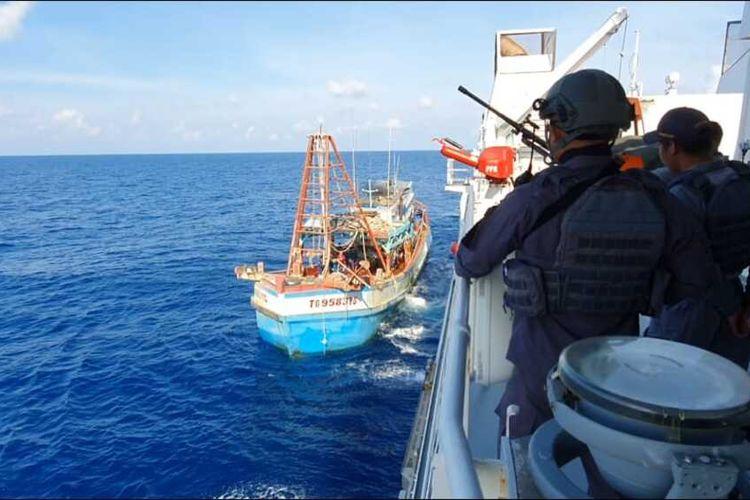 Badan Keamanan Laut (Bakamla) RI atau Indonesia Coast Guard kembali berhasil menangkap dua kapal ikan asing (KIA) asal Vietnam yang masuk wilayah perairan Indonesia secara ilegal.