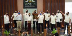 Pasien RS Wisma Atlet Kemayoran Dapat Obat Herbal dari Satgas Lawan Covid-19 DPR
