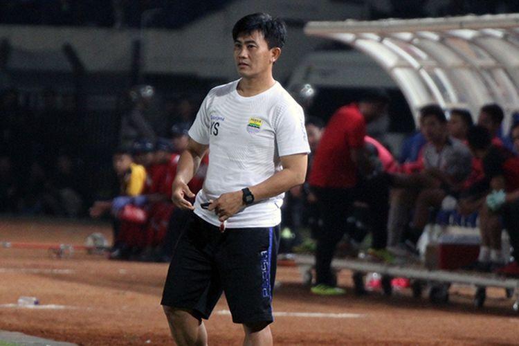 Pelatih Fisik Persib Bandung, Yaya Sunarya.