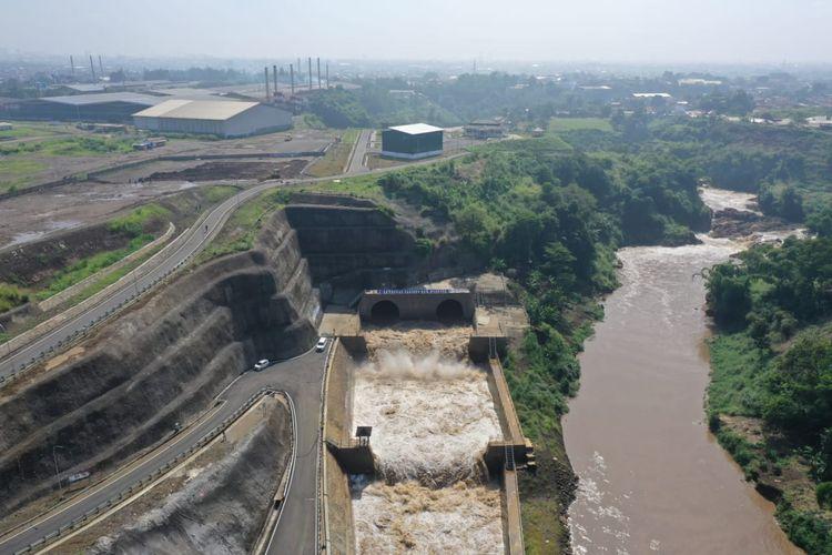 Presiden Joko Widodo menyebutkan, Terowongan Nanjung dapat mengurangi luasan area banjir dari semula 490 hektar menjadi 80 hektar