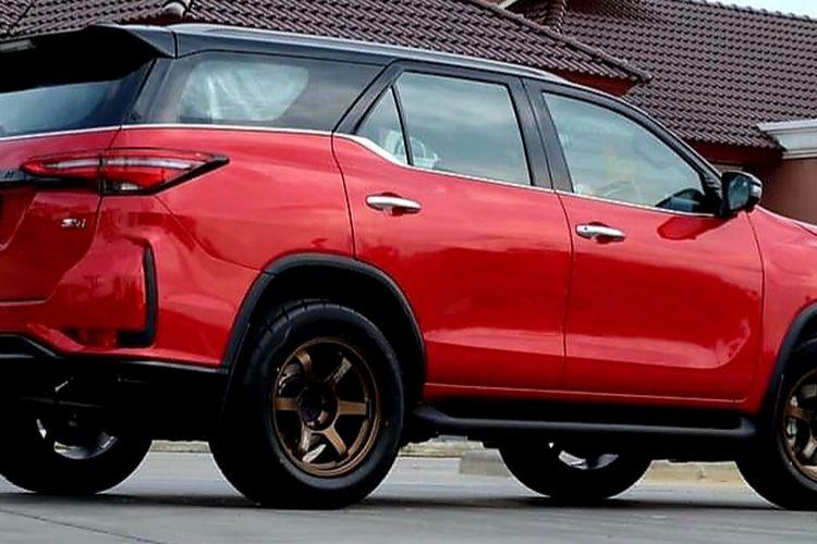 Tampilan Toyota Fortuner varian Legender