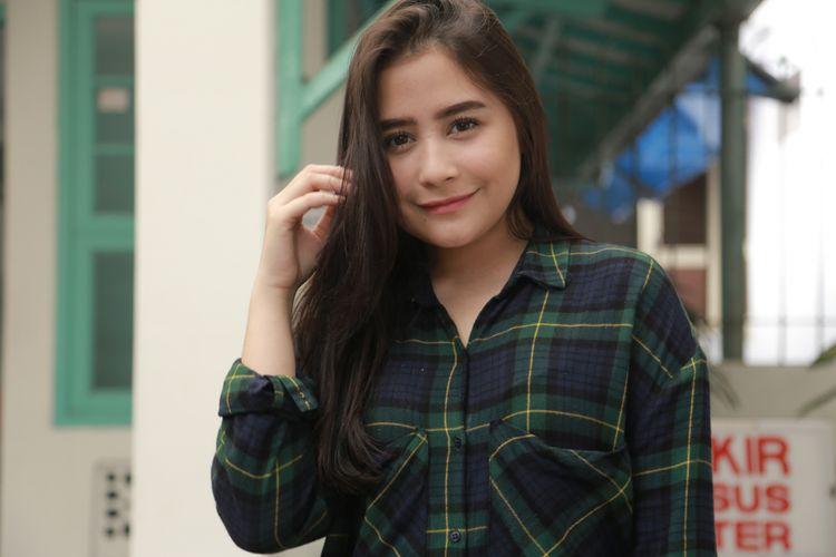 Prilly Latuconsina saat ditemui di lokasi shooting Danur 2, di RSKIA Sawojajar, Bogor, Jawa Barat, Jumat (5/1/2018).