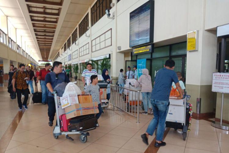 Suasana pintu keberangkatan di Bandara Internasional Juanda, Surabaya, Senin (14/5/2018) siang pukul 14.33 WIB.