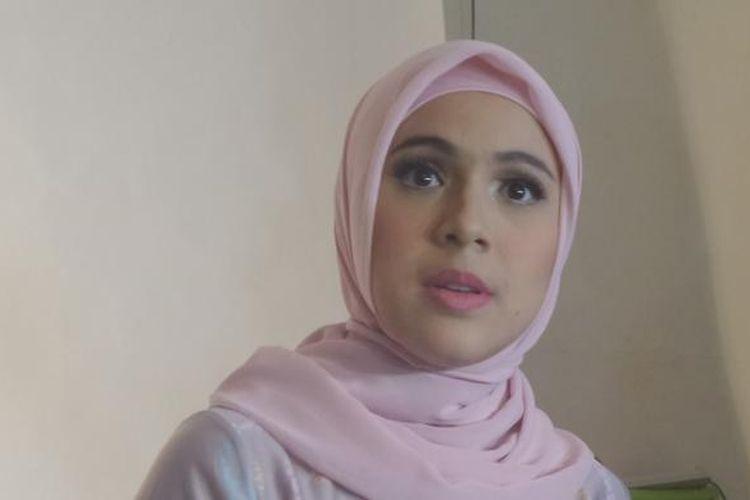 Nycta Gina usai pemotretan di studio Kolbano, Tebet, Jakarta Timur, kamis (29/12/2016).