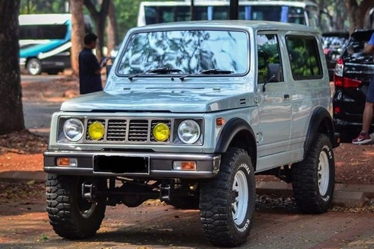 Ilustrasi Suzuki Jimny Long model lawas