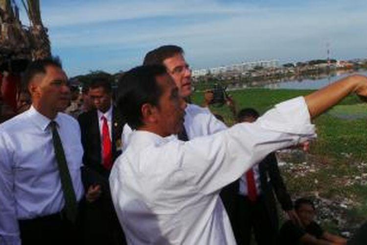 Gubernur DKI Jakarta Joko Widodo dan Perdana Menteri Belanda Mark Rutte, dan Menteri Perdagangan Gita Wirjawan.