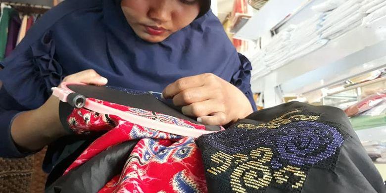Teknik Penerapan Ragam Hias Pada Bahan Tekstil
