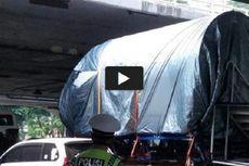 Sopir Truk Pengangkut Kepala Pesawat Buatan BJ Habibie Ditilang